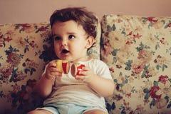 dziecko gra Zdjęcia Stock