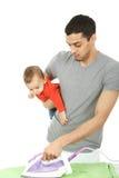 Dziecko i ojciec - sprzątanie Zdjęcia Royalty Free