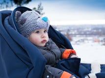 Dziecko jedzie saneczki Obraz Stock