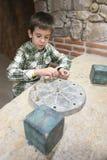 Dziecko jest archeologiem Zdjęcia Stock