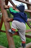 dziecko krok wspinaczkowy drabinowy obrazy stock