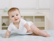 dziecko kur łóżka Fotografia Stock