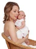 dziecko mienie jej matka zdjęcia stock