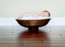dziecko miski śpi Zdjęcia Royalty Free