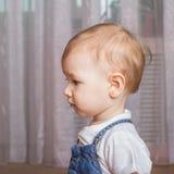 Dziecko myśleć o coś Zdjęcia Stock