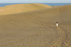 dziecko na pustynię obraz royalty free