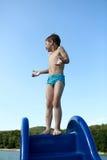 Dziecko na waterslide Zdjęcia Royalty Free