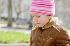 Dziecko płaczu outdooors Obraz Royalty Free