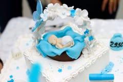 Dziecko prysznic torta numer jeden fondant błękitnego dziecka prysznic jadalna chłopiec zdjęcie stock