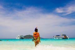 Dziecko przy plażą Obraz Royalty Free