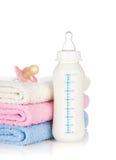 Dziecko ręczniki butelka pacyfikator, i fotografia stock