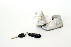 dziecko samochodu kluczy buty zdjęcia royalty free