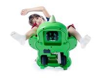 Dziecko spada od zabawkarskiego bicyklu zdjęcia royalty free