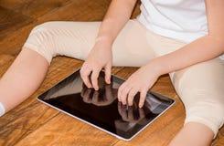 Dziecko używa ipad Obraz Stock