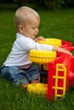 Dziecko w łące Obrazy Royalty Free