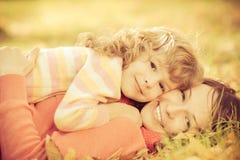 Dziecko w jesień obrazy stock