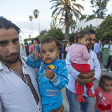 Dziecko wojny uchodźcy Wiele uchodźcy przychodzący od Turcja w w Fotografia Stock