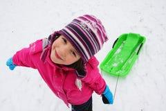 Dziecko zabawa na śniegu zdjęcia stock