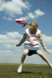 dziecko zabawy czapkę obraz royalty free