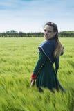 Dziejowa dziewczyna - średniowieczna suknia Zdjęcia Royalty Free