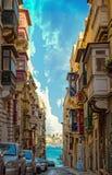 Dziejowa ulica w Valletta, Malta zdjęcia royalty free