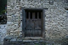 Dziejowego budynku drewniany drzwi Fotografia Stock