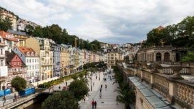 Dziejowi budynki w Karlovy Zmieniają, Karlsbadzki Zdjęcia Royalty Free