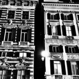 Dziejowy budynek czarny i biały Obraz Royalty Free