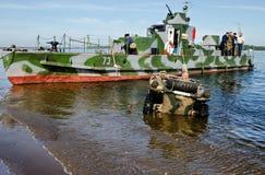 Dziejowy festiwal Drugi wojna światowa Samara, Lipiec 26, 2015 Niemiecki spławowy samochód i Obraz Royalty Free
