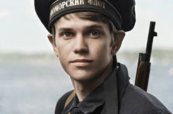 Dziejowy festiwal Drugi wojna światowa w Samara, Lipiec 26, 2015 Portret kabinowa chłopiec na tle Obraz Stock