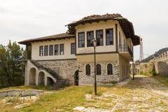 Dziejowy grodzki Berat, ottoman architektura w Albania, Unesco światowego dziedzictwa miejsce zdjęcie stock