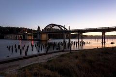 Dziejowy most nad Siuslaw rzeką Obraz Stock