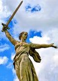 Dziejowy pamiątkowy kompleksu Mamayev Kurgan «w Volgograd Stalingrad «, rzeźbi ojczyzny matki! « fotografia royalty free