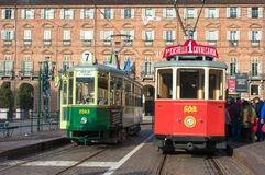 Dziejowy tramwaj zatrzymuje w piazza Castello, główny plac Turyn Włochy obrazy stock