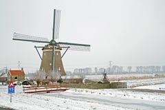 Dziejowy wiatraczek w holandiach w zimie Zdjęcia Royalty Free