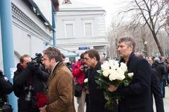 Dziennikarz Aleksander Lyubimov i mayor Yekaterinburg Yevgeny Roizman przy pogrzebem Boris Nemtsov, Zdjęcie Stock