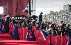 Dziennikarzi na czerwonego chodnika 37 Moskwa Międzynarodowym ekranowym festiwalu Obraz Royalty Free