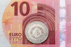 Dziesięć euro i Wschodni - niemiecki Mark Zdjęcia Royalty Free