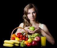 dziewczyn piękni owocowi warzywa Fotografia Stock