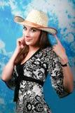 dziewczyn potomstwa kapeluszowi słomiani obrazy stock