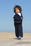 dziewczyn potomstwa szczęśliwi działający Obraz Royalty Free