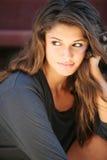 dziewczyn potomstwa włosiani szczęśliwi dłudzy plenerowi target1190_0_ Obrazy Stock