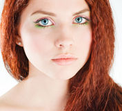 dziewczyn potomstwa włosiani ładni czerwoni Fotografia Stock