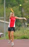 dziewczyn szkoły średniej tenis Obrazy Royalty Free