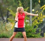 dziewczyn szkoły średniej tenis Fotografia Royalty Free