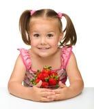 dziewczyn truskawki szczęśliwe małe Obraz Stock