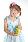dziewczyn winogrona zielenieją trochę dosyć zdjęcia stock
