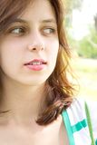 Dziewczyn zielonoocy spojrzenia Zdjęcie Stock