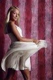 dziewczyna atrakcyjny piękny smokingowy biel Zdjęcie Stock