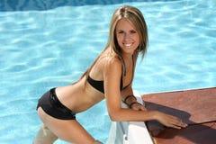 dziewczyna basen opływa fotografia royalty free